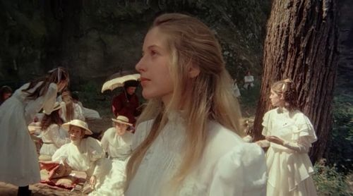 600full-picnic-at-hanging-rock-screenshot (3)