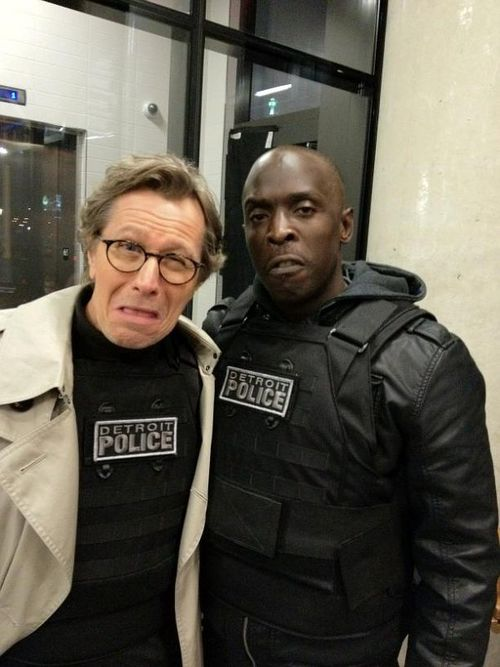 Michael-k-williams-tweets-photo-of-gary-oldman-on-robocop-set