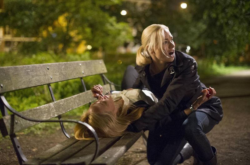 Kate-Morgan-Yvonne-Strahovski-calls-for-help-Audrey-dying-24-Live-Another-Day-Finale-Episode-12