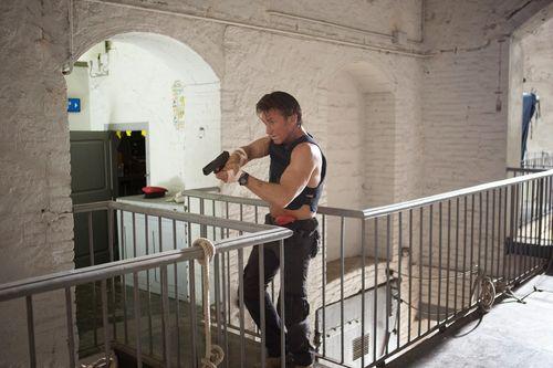 The-Gunman-8-Sean-Penn