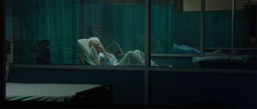 It-Follows_hospital