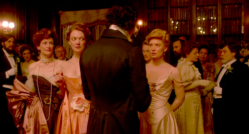 Crimson-peak-hd-screencaps-hiddleston-chastain-4