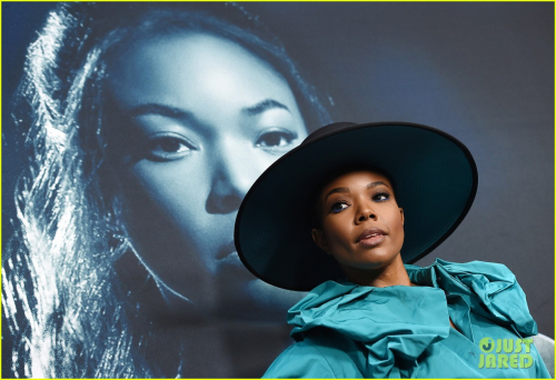 Gabrielle-union-is-joined-by-dwyane-wade-at-breaking-in-premiere-08